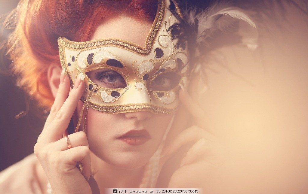 设计图库 人物图库 女性妇女  带着面具的模特 面具 意大利风格