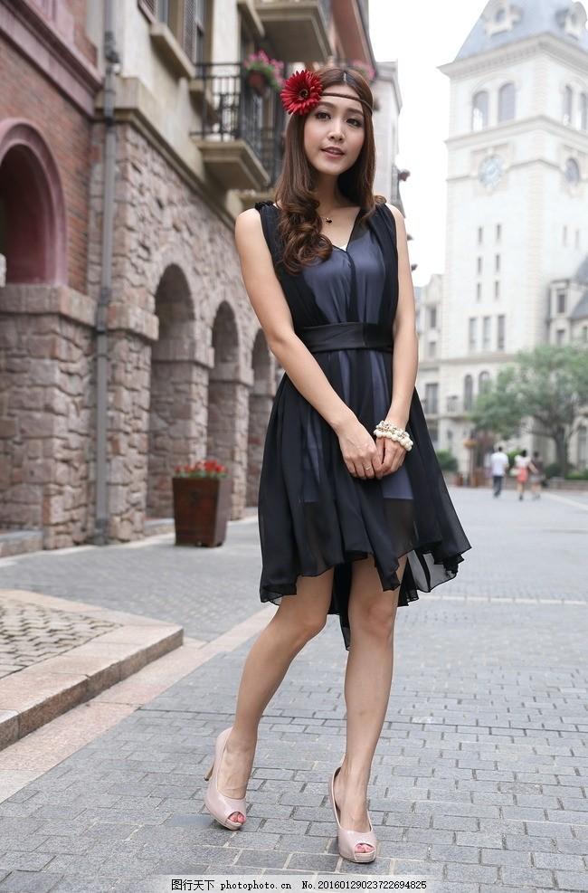 街拍 时尚女装 美女 服装模特 模特 服装 服装广告 模特广告 欧式建筑
