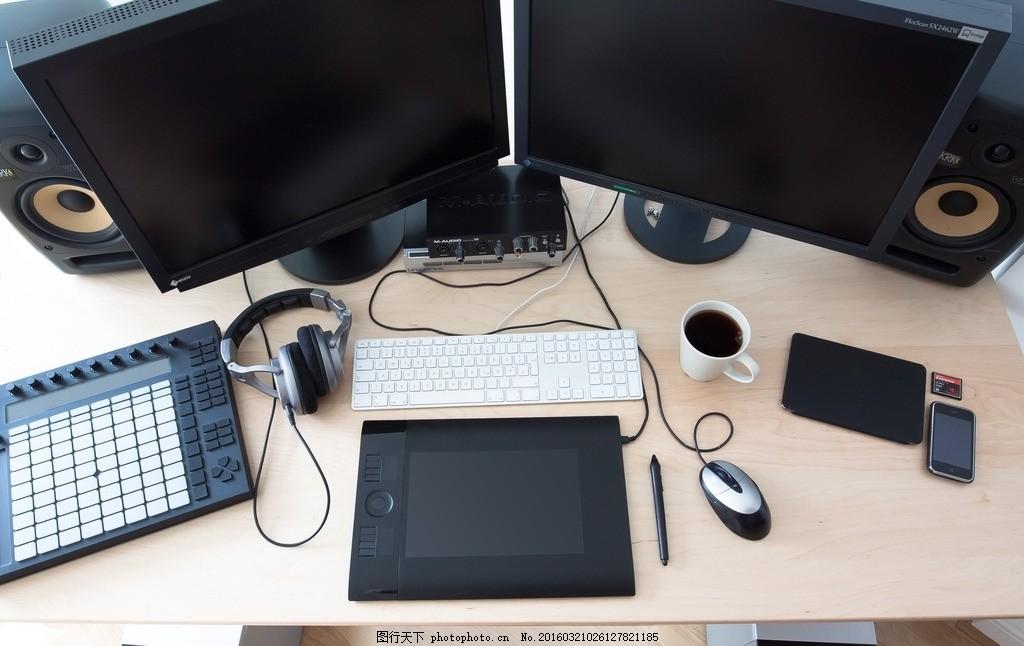 室内办公设备 电脑 鼠标 绘画板 手绘板 音响 操作台 摄影 学习办公