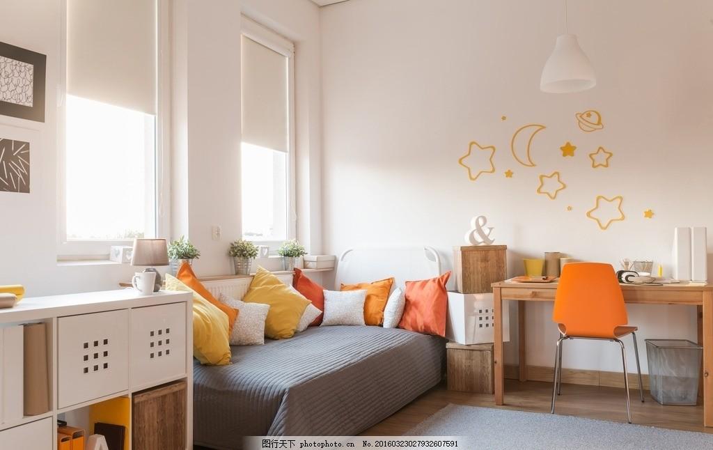 唯美客厅 浪漫 简洁 简约 家居 家具 装修 木地板 白色系 褐色沙发